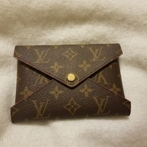 Louis Vuitton Medium Kirigami